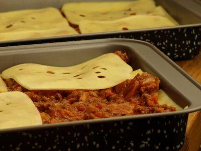 Lasagne przed pieczeniem