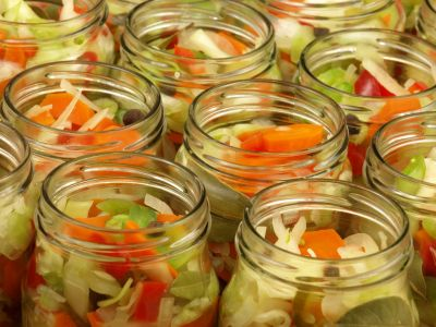 Sałatka siedem warzyw w słoiczkach