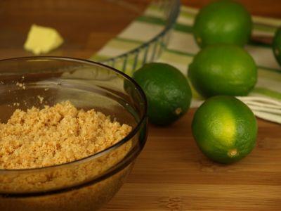 Przygotowanie tarty limonkowej