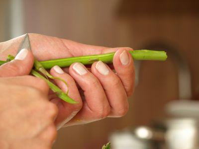 Obieranie szparagów