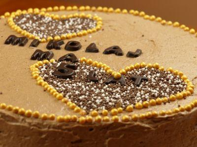 Urodzinowy tort czekoladowo kawowy