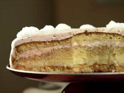 Tort jogurtowy z białą czekoladą