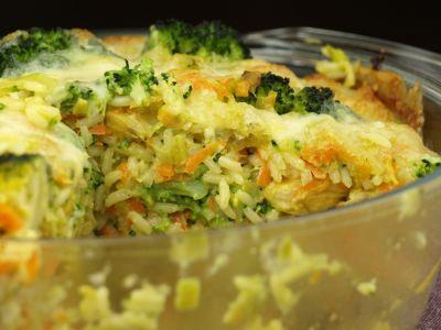 Zapiekanka ryżowa z indykiem i brokułem