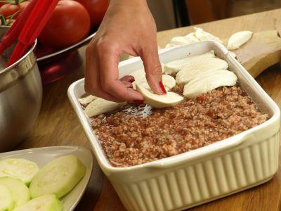 Zapiekanka - warstwa z mozzarelli
